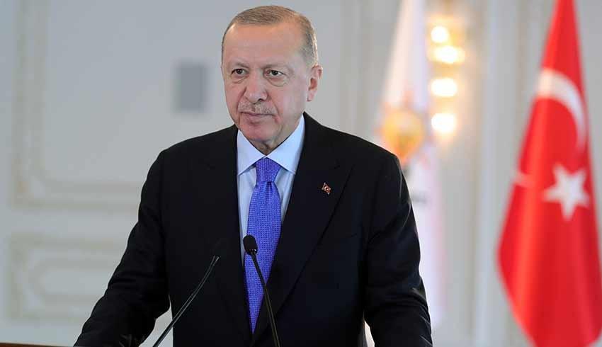 Erdoğan'dan tepki: Siz öğrenci misiniz terörist mi